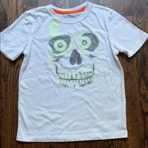 GAP KIDS skull T. Glows in dark.  Size small